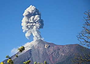 Volcan de Fuego Erupting